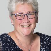 Yvonne Koops